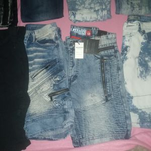 Boys Pants And Shorts Sizes 18 And 16 for Sale in Palmetto, FL