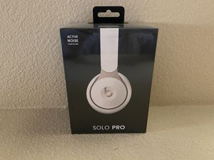 Beats Solo Pro wireless headphones for Sale in Moreno Valley, CA