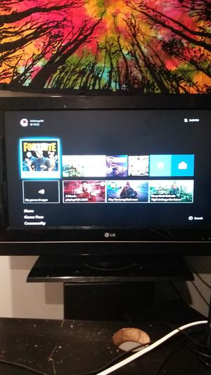 Lg flat screen tv 32 inch for Sale in McHenry, IL