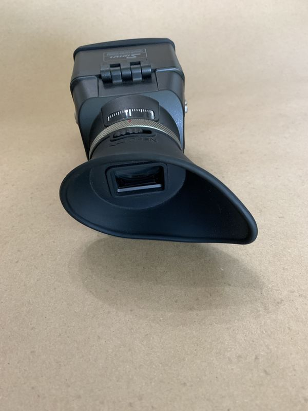SWIVI viewfinder for DSLR camera's