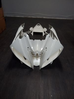 Motorcycle parts Kawasaki zzr600 2005 to 2008 16 pieces for Sale in Pomona, CA