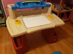 Kids desk for Sale in Pico Rivera, CA