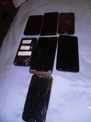Seven Broken Cell Phones for parts only for Sale in Albuquerque, NM