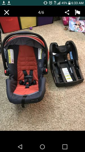 Graco Snugride Click Connect Car Seat for Sale in Mukilteo, WA