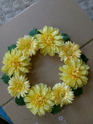 YELLOW FLORAL HANDMADE WREATH MOTHER'S DAY GIFT for Sale in Vidalia, GA