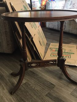 Free Antique Side Table for Sale in Phoenix,  AZ