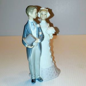 Vintage Lladro wedding day wedding couple figurine. for Sale in Campbell, CA