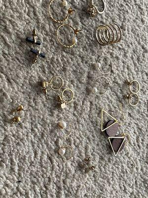 Jewelry set (earrings, rings) for Sale in Los Angeles, CA