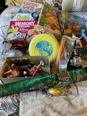 Miscellaneous kids board games and toys. Small set of Legos. Games are in excellent condition. for Sale in Chula Vista, CA