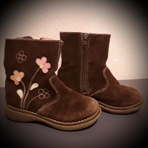 Size 9 toddler zip up flowered suede girl's boots for Sale in Battle Ground, WA