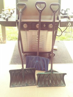 Snow shovels all three 20 bucks come get them for Sale in CO, US