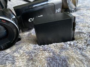 Video camera canon VIXIA HF S20 for Sale in San Jose, CA