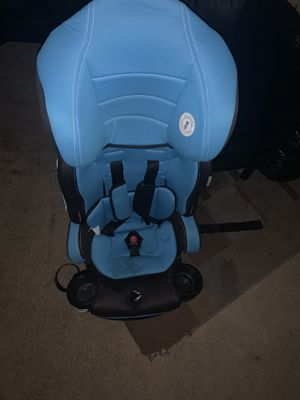 Car seat/booster seat for Sale in East Point, GA