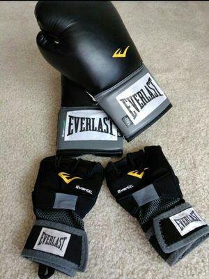 Boxing gloves set for Sale in Miami, FL