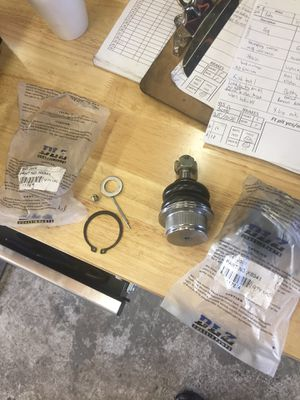 Chevy/gmc 1500 lower ball joints for Sale in San Marcos, TX