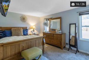 Set bed. 500. Dark brown and 500 light color for Sale in Manassas, VA