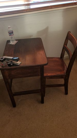 Desk and Chair for Sale in Livermore, CA