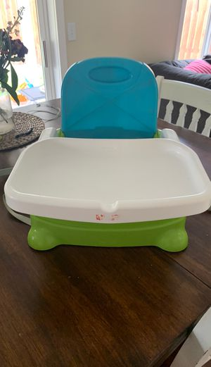 Fisher Price booster seat with tray (2 available) for Sale in Ridgefield, WA