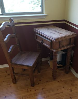 Rustic Desk and Chair for Sale in Austin, TX