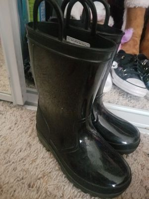 Size 9 rain boots for Sale in Bay Point, CA