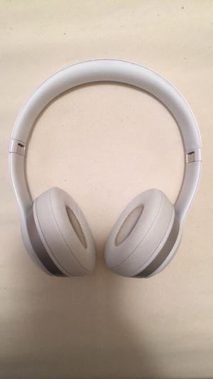 Beats Solo 2 Wired for Sale in Poinciana, FL