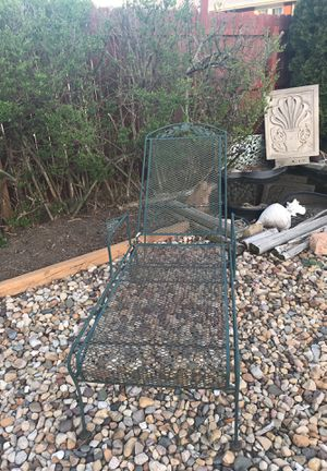 Patio reclining chair have cushion for Sale in Peoria, IL