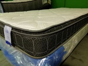 King Pillow Top Mattress for Sale in Wichita, KS