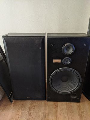 Two 15 inch Pioneer speakers for Sale in Irwindale, CA
