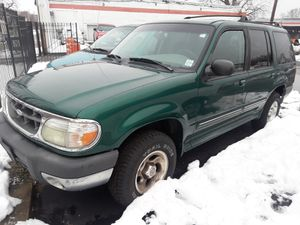 99 Ford explorer 4x4 for Sale in St. Louis, MO