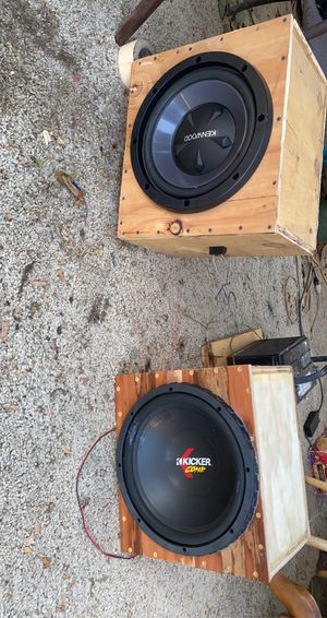 "Amp and 2 12"" subs for Sale in Riverbank, CA"