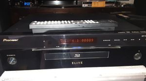 Pioneer Elite Blu-ray player, plays DVDs and CDs too for Sale in Oceanside, CA