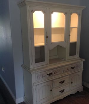 Antique White lighted hutch for Sale in Redmond, OR