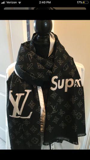 New authentic Louis Vuitton monogram black cashmere scarf for Sale in Park Ridge, NJ