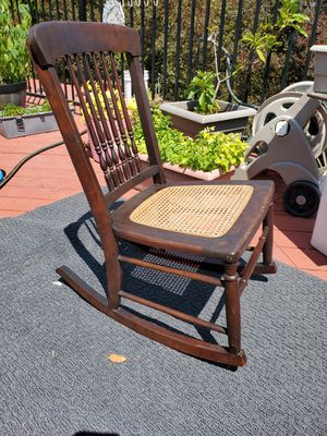 Antique late 1800s sewing/nursing rocking chair excellent original for Sale in Hayward, CA