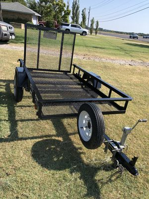 4' x 6' trailer with title, ramp, spare and swing up jack for Sale in Waxahachie, TX