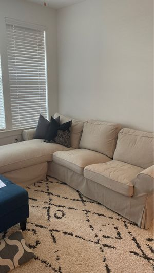 Chaise sectional couch for Sale in Charlotte, NC