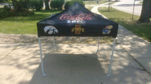 NICE COLLEGE FOOTBALL POP UP CANOPY TAILGATE PARTY TENT for Sale in Schaumburg, IL