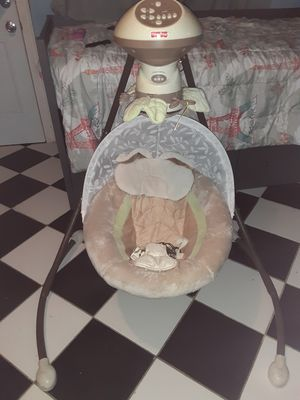 Fisher price Infant cradle swing for Sale in Phoenix, AZ