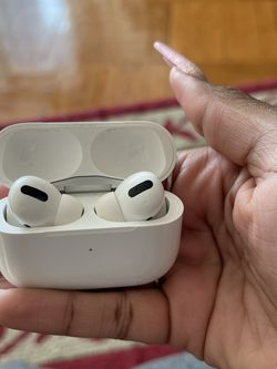 AIR POD PROS , White , Apple Inc for Sale in Brooklyn,  NY