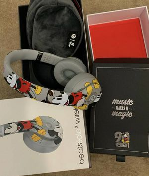 *THE PERFECT GIFT* Mickey Mouse Beats for Sale in Coleman Falls, VA