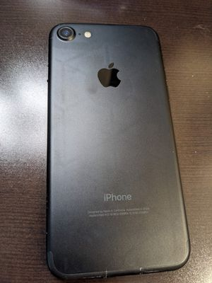Used IPhone 7 - Like New for Sale in Fremont, CA