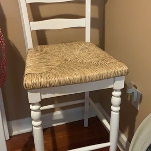 2 or 4 White Wooden Barstools for Sale in Orlando, FL