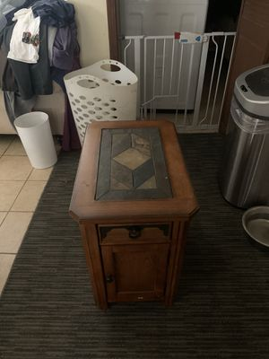 End table for Sale in Peoria, IL