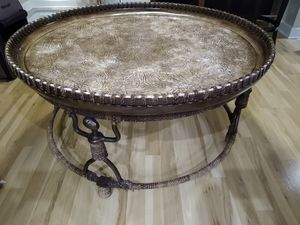 Bernhardt table 40 inches for Sale in Glendale Heights, IL