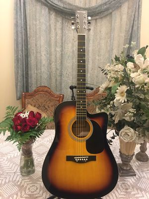 Huntington electric acoustic guitar for Sale in Bell, CA