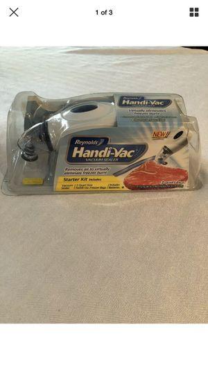 Reynolds Handi Food Vac Vacuum Sealer Starter Kit for Sale in Shelton, CT