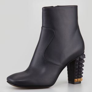 Fendi studded heel leather ankle boots size 38.5 for Sale in Gardena, CA