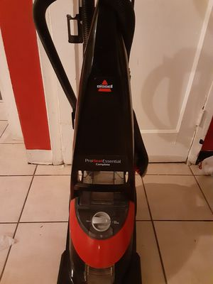 Bissel pro heat essential complete carpet vacuum & shampooing for Sale in Tulsa, OK