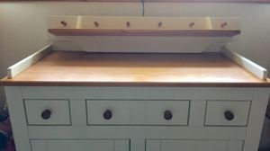 Changing table and shelf for Sale in Aliquippa, PA
