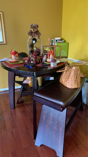 Table/Bar Stool for Sale in Brandywine, MD